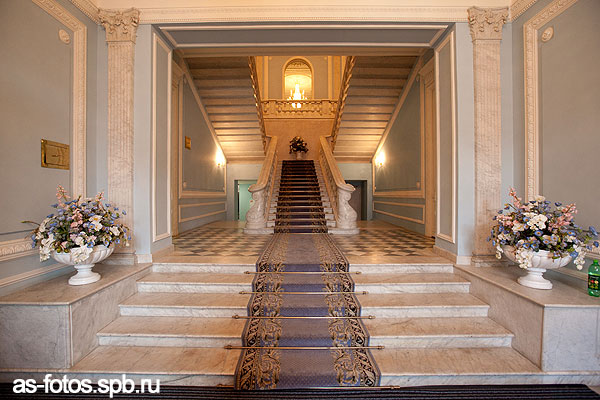 Дворец бракосочетания грибоедова 166 парадная лестница