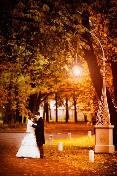 свадебная фотография  осенью