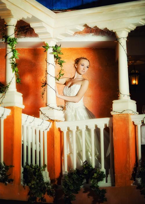 невеста на балконе